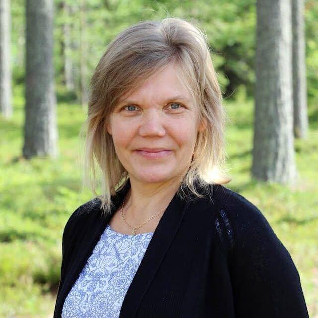 Kansanopistotoiminnan koordinaattori Sari-Anne Vauhkonen